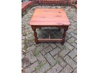 Solid pine shabby chic style coffee table project