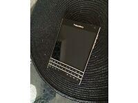 Blackberry Passport 32GB - Unlocked all networks