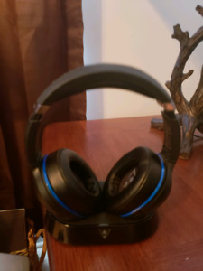 Turtle Beach Elite 800 wireless headphones