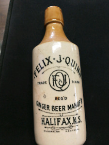 FELIX J. QUINN  CROCK GINGER BEER BOTTLE