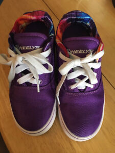 Heelys Shoes Size 1 youth