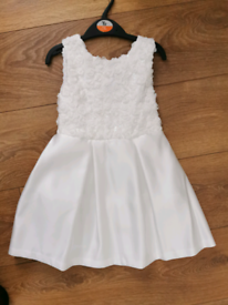 2 x BRAND NEW AGE 4 FLOWER GIRL DRESSES FOR SALE AGED 4