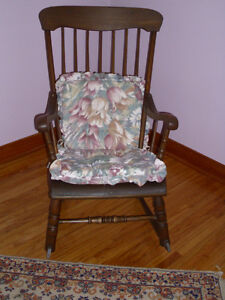 ANTIQUE CHAIRS $35.00 EACH London Ontario image 2