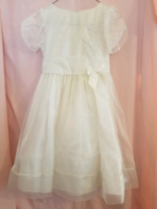 White Flower Girl/First Communion Dress (Size 10)