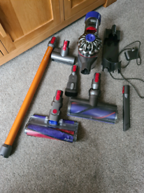 DYSON V8 ABSOLUTE STICK VACUUM CLEANER with new battery fitted