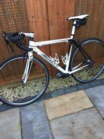 Men's carbon fibre racing bike