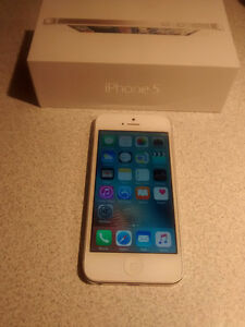 iphone 5 16gb Bell or Virgin - Excellent condition