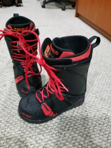 32 team 2 boots