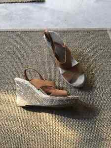 Old navy wedge sandals - never worn size 8