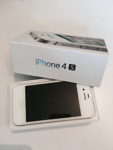 iPhone 4S - 32gb unlocked