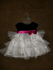 Girl's size 6-12 month Dress