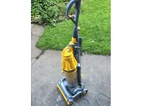 Dyson (7) vacuum cleaner