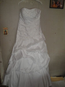 Beautiful never worn  Ella Rosa Gown size 14