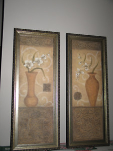2 wall pictures