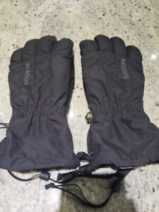NEW women BURTON ski and snowboard gloves Medium