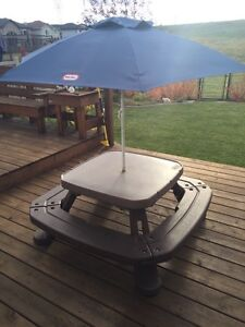 Little Tykes Fold n Store Picnic Table