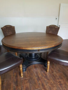 Selling wooden dining table + 4 dining chairs