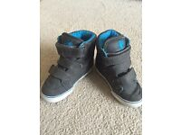 Boys boots- size 4 (infant)
