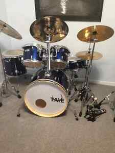 Taye rock pro drum set plus extras