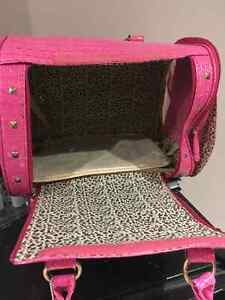 STYLISH PET CARRIER London Ontario image 2