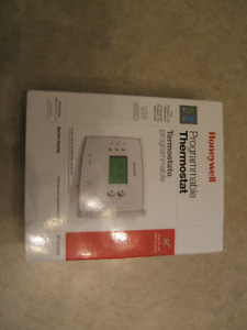 HONEYWELL 5-2 PROGRAMMABLE THERMOSTAT -NEW