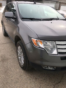 2010 Ford Edge AWD !! Low km !!DVD!!