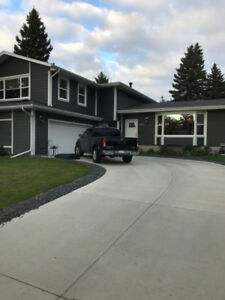 Executive House for Rent
