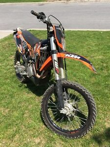 MOTOCROSS KTM EXC 530 NOIR ET ORANGE