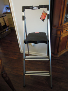 "ALUMINUM STEP LADDER 48"" INCH"