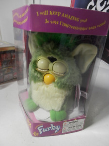 1998 FURBY GREEN ON GREEN
