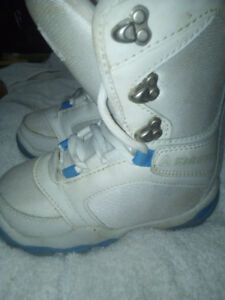 Kids Firefly size 1 snowboard boots.
