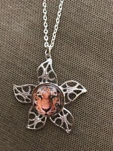 Vintage Star Tiger Cat Necklace