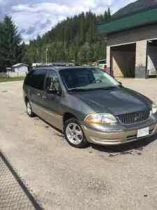 2000 Ford Windstar SEL. 235xxx km.