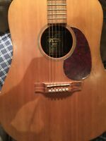 MARTIN  USA ACOUSTIC GUITAR - CASE - EXCELLANT COND ITION