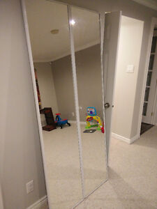 Folding closet mirror door