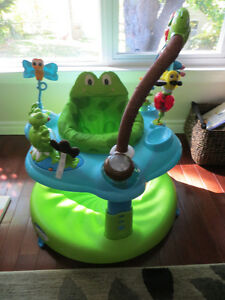 Frog Evenflo Exersaucer, 55 learning activities