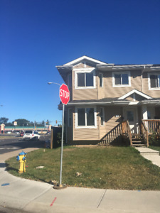 NEWER - LARGE HALF DUPLEX FOR RENT IN SOUTH EDMONTON