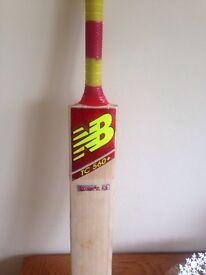 New Balance TC Bat