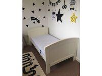 Mamas & Papas toddler bed & luxury mattress