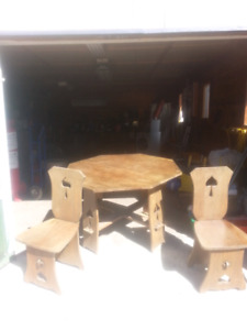 Oak Table   Two Chairs