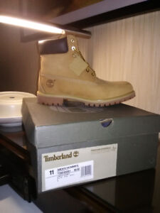 Timberlands, BRAND NEW! Size11