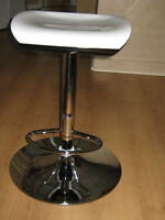 Six airlift barstools/Brand new