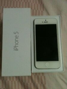 iPhone 5 with 32gb with Speigen case