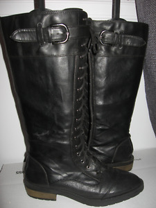Ladies White Mountain tall black boots zip side 8.5