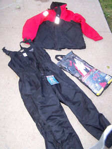 HELLY HANSEN SOFTFLEX FLOATER SUIT (XL) & Inflatable PFD