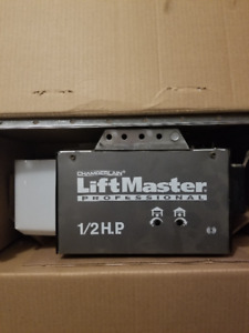 1/2 HP Chamberlain Garage Door Opener
