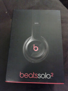 beats by dre solo 2 BLACK NEW STORE DISPLY ITEM