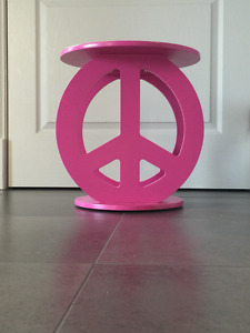 Peace Sign Table