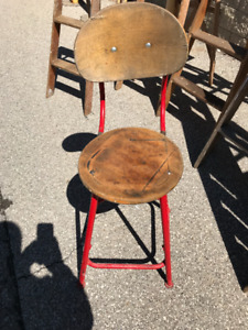 VINTAGE INDUSTRIAL WOODEN STEEL SHOP CHAIR ADJUSTABLE STEAMPUNK