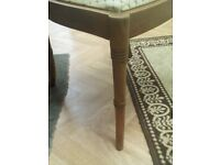 Dinning table and three chair in good condition